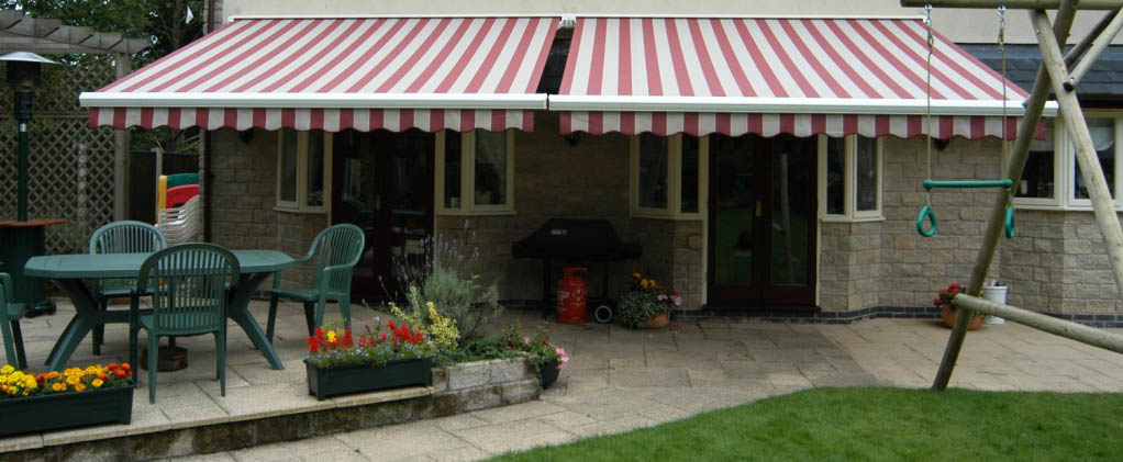 red and white stripe awning